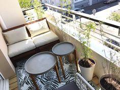 Aménagement et décoration d'un balcon d'un appartement Moroccan Wall Stencils, Terrace Decor, Small Balcony Garden, Apartment Balcony Decorating, Balcony Design, Dream Apartment, Outdoor Furniture Sets, Outdoor Decor, Cozy Living