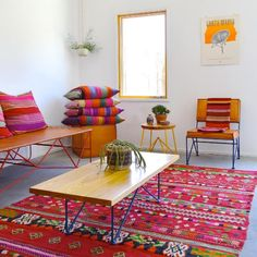 This Just In: Garza Marfa (Justina Blakeney - The Jungalow) Corner House, Bohemian Interior, Le Far West, Estilo Boho, Soft Furnishings, Vintage Furniture, Home Accessories, Home Goods, Sweet Home