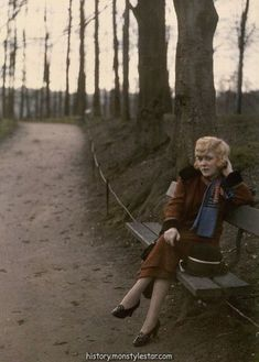A woman poses on a park bench in Tete d'Or Park, Lyons, France, - These Beautiful Antique Photos Were Made With Potato Starch Antique Photos, Vintage Photographs, Vintage Photos, 1920s Photos, History Of Photography, Color Photography, Memories Photography, Photos Du, Old Photos
