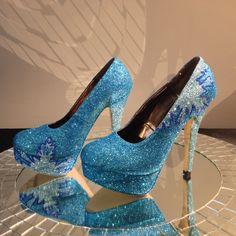 Frozen Elsa's Blue Floral Glitter Shoes Almond Toe Platform Stiletto Pumps for Halloween Platform Stilettos, Stiletto Pumps, Designer High Heels, Designer Shoes, Elsa Frozen, Pretty Shoes, Beautiful Shoes, Muses Shoes, Glitter Shoes