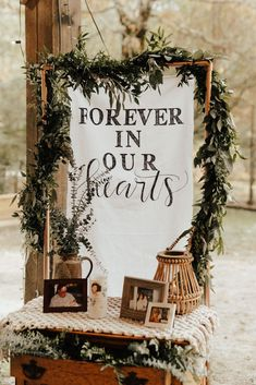 A boho DIY wedding you don& want to miss - memorial wedding table - # . - A boho DIY wedding you don& want to miss – memorial wedding table – - Rustic Wedding, Our Wedding, Dream Wedding, Wedding Ceremony, Wedding Events, Wedding Desert, Vow Renewal Ceremony, Pallet Wedding, Wedding Rings