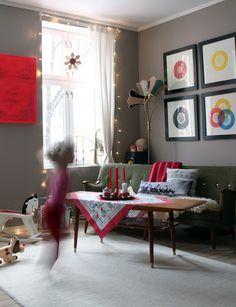 Med et lekent sinn: CHRISTMAS IN THE HOUSE