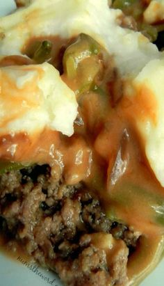 Salisbury Steak Casserole-If you love Salisbury Steak, then give this simple 30 minute meal a chance. Easy, delicious and perfect weeknight meal! This also reheats and freezes well Homemade Salisbury Steak, Salisbury Steak Recipes, Meat Recipes, Cooking Recipes, Hamburger Recipes, Recipies, Hamburger Casserole, Hamburger Dishes, Dinner Recipes