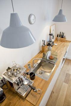 IKEA Deutschland | MÖLLEKULLA Arbeitsplatte Eiche, und u.a. LUNDSKÄR Mischbatterie. http://www.ikea.com/de/de/catalog/products/40240017/ #Arbeitsplatte #Küche #Holz