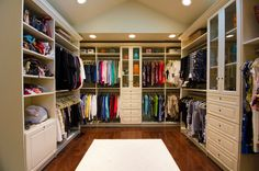 Converting a spare room into a walk-in closet