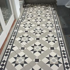Olde English Tiles Australia - Paddington continuous with Norwood border Victorian Hallway Tiles, Tiled Hallway, Hallway Flooring, House With Porch, House Front, Hearth Tiles, Hall Tiles, Porch Tile, Traditional Front Doors
