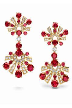 Bulgari  High-jewellery earrings in yellow gold with 18 round-cut 12.39 carat rubies and 82 1.71 carat pavé diamonds.