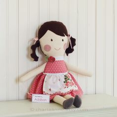 Wish Charla Anne still had her etsy shop, maybe easy doll to make? Sewing Projects For Kids, Diy Craft Projects, Apple Dolls, Sewing Dolls, Soft Dolls, Doll Crafts, Cute Dolls, Fabric Dolls, Handmade Toys
