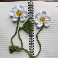 Crochet Puff Flower Blooming Bookmark - Free Crochet Pattern from Aseem Creations - Good books always need good bookmarks. These are bookmarks that bloom in your books at all times. Crochet Puff Flower, Crochet Sunflower, Crochet Daisy, Crochet Flower Patterns, Crochet Designs, Crochet Flowers, Crochet Bookmark Patterns Free, Easy Crochet Bookmarks, Crochet Leaves