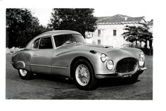 "May 2012 - John Elkann, Chairman of Fiat, will take part in the 2012 edition of the famous ""Mille Miglia"" classic car race from May 16th to 20th. He will be at the wheel of one of the limited number of 8V Fiat sport sedans built between 1952 and 1954.______  Maggio 2012 - Il Presidente della Fiat John Elkann parteciperà all'edizione 2012 della celebre ""Mille Miglia"" (16 – 20 maggio). Sarà al volante di una berlinetta sportiva Fiat 8V costruita, in piccola serie, dal 1952 al 1954."