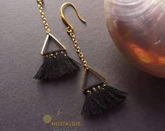 Unique Macrame jewelry for men and women von NostalgieArt Macrame Earrings, Macrame Jewelry, Drop Earrings, Creative, Tassels, Stone, Trending Outfits, Unique Jewelry, Handmade Gifts