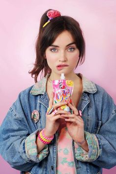 Teen queens aesthetics and girly style Pink Fashion, Cute Fashion, Fashion Art, Vintage Fashion, Poses References, Foto Pose, Retro Aesthetic, Photo Reference, Photoshoot Inspiration