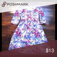 Old navy, Cute spring dress, size medium Elegant spring dress. Great condition, worn a few times. Old Navy Dresses Midi