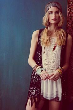 ❥☮☮ ✭☯☮ॐ American Hippie Bohemian Style ~ Lace Tank and Crochet Vest!