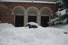 https://flic.kr/p/DipSoc | Small Mammal House, Jan. 23, 2016 | Caption: The entrance of the Small Mammal House buried under snow Jan. 23, 2016.   Photo: Smithsonian's National Zoo