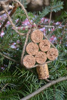 The Homeless Finch - Wine cork tree ornament Cork Christmas Trees, 25 Days Of Christmas, Christmas Ornament Crafts, Noel Christmas, Holiday Crafts, Xmas Tree, Reindeer Ornaments, Wine Bottle Christmas Tree, Recycled Christmas Decorations