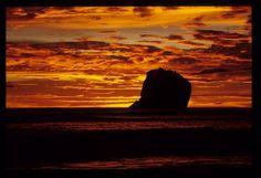 Witches Rock – Santa Rosa National Park, Costa Rica - PhotoBotos.com