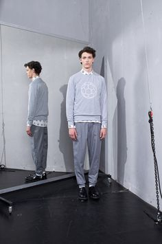 """This summer MEI KAWA came up with a completely different tone than before but with a collection that is still very typical of the brand. The designer unfolds the concept: the """"less in sometimes more"""", dynamism and the. Autumn Fashion, Fashion Men, Fashion 2015, Male Photography, Mens Fall, Angkor, Spring Summer 2015, Grey Sweatshirt, Get Dressed"""
