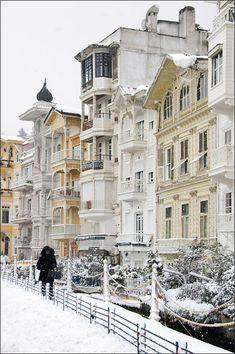 De 19th century mansions r among de best preserved houses on de europe a side of de Bosphorus (Arnavutkoy), Istanbul, Marmara_ Turkey