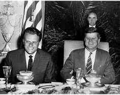 1961. Février. Billy Graham and President John F. Kennedy at the National Prayer Breakfast