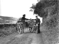 Postman with pony and trap in Northern Ireland, Old Photos, Vintage Photos, Irish Eyes Are Smiling, Irish Culture, Post Office, Belfast, Northern Ireland, Historical Photos, London England