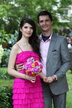 www.facebook.com/PaperFlowersBySimona Bridesmaid Dresses, Wedding Dresses, Paper Flowers, Real Weddings, Bouquets, Facebook, Fashion, Bridesmade Dresses, Bride Dresses