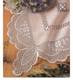 Lace and Borders Filet Crochet, Crochet Borders, Crochet Stitches, Crochet Home, Crochet Trim, Double Crochet, Knit Crochet, Doily Patterns, Crochet Patterns