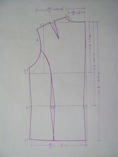 감염색한 얇은 광목으로 지은 평상복입니다. 바지앞판 바지뒷판 상의뒷판 상의앞판 상의소매 민소매뒷판 민소매앞판