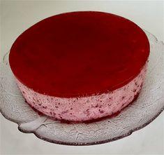 Kake av bringebærmousse og åelelokk (med eller uten egg) Cheesecake, Food And Drink, Tray, Eggs, Pudding, Baking, Desserts, Tailgate Desserts, Deserts
