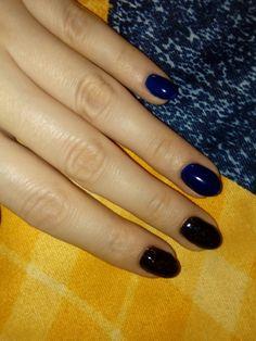 Dark blue black nail semilac