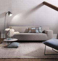Strakke bank Kira in grijze stof is modern en tijdloos -Woonwinkel Alle Pilat