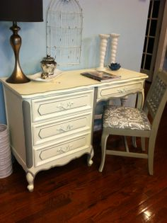 SOLD/Classic chic vintage hand painted Henry Link desk/vanity with chair.