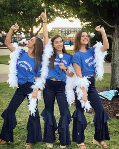 mamma mia big little reveal. little and the dynamos mamma mia big little reveal. little and the dynamos Big Little Shirts, Big Little Canvas, Big Little Week, Big Little Reveal, Chi Omega, Mamma Mia, Sorority Family Shirts, Big Little Basket, Bid Day Themes