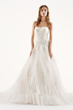 Davids Bridal - Vera Wang Chantilly Lace Gown - I think I love this. Affordable Wedding Dresses, Wedding Dresses Photos, Wedding Dresses For Sale, White Wedding Dresses, Wedding Dress Styles, Wedding Gowns Online, Designer Wedding Gowns, Designer Gowns, Tulle Wedding Gown