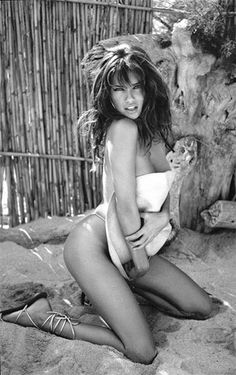 Adrianna Lima::::: Beautiful even in black and white