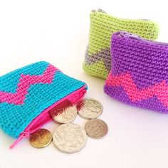 Tapestry Crochet Coin Purse Tutorial - Learn how to play with Tapestry Crochet. It really is quite easy to do.