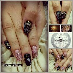 #gel #acrilico #pintura #pinturaartistica #añonuevo #unasartificiales #uñasesculpidas #nails #nailsalon #nailart #naildesign #nailswag #gelnails #acrylicnails #alcobendas #madrid #rossymodesova by rossymodesova