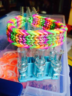 Rainbow Loom Fishtail Sandwich bracelet Gray opaque and Neon Green Yellow Orange Pink Purple silicone bands Tutorial by JustinToys http://youtu.be/U7qaAP6r9xk