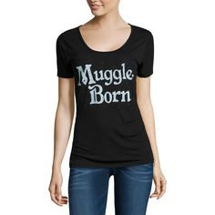 Short Sleeve Scoop Neck Harry Potter Graphic T-Shirt ($22) ❤ liked on Polyvore featuring tops, t-shirts, scoopneck top and scoop neck top