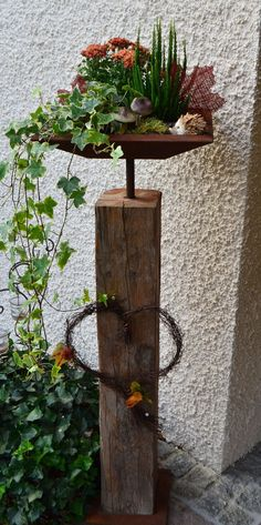 Old wood beam with stainless steel shell and bottom plate - angular, ve .- Altholzbalken mit Edelrost Schale und Bodenplatte – eckig, verschiedene Größen Old wood beam with stainless steel shell and bottom plate – angular, different sizes - Outdoor Planters, Diy Planters, Garden Planters, Planter Pots, Diy Garden, Parc Floral, Metal Garden Art, Wood Beams, Old Wood