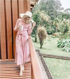 How to wear striped dress with hijab – Just Trendy Girls