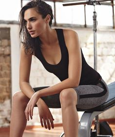 "How Gal ""Wonder Woman"" Gadot Workout Training"