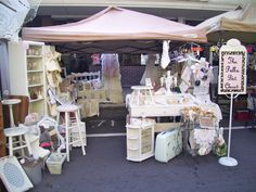 Pretty market set up, been to lots of flea markets and open air/outdoor markets, its really fun when traveling...