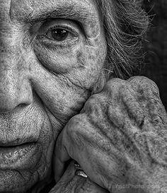 Tony Luciani Creates Rehabilitative Portraits of His Elderly Mother Old Man Portrait, Portrait Art, Old Portraits, Black And White Portraits, Black And White Photography, Face Photography, Photography Hacks, Street Photography, Photography Challenge