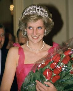 Princess Diana with roses Photo (C) Getty Images