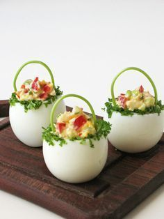 "Delicious Cracked Deviled Eggs Chicks Recept Homesteading - The Homestead Survi ., Delicious Cracked Deviled Eggs Chicks Recept Homesteading - The Homestead Survival .Com ""Deel deze pin alstublieft"". Easter Recipes, Egg Recipes, Appetizer Recipes, Cooking Recipes, Cooking Tips, Holiday Appetizers, Brunch Recipes, Dessert Recipes, Cute Food"