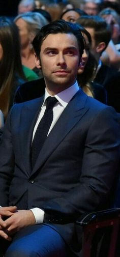 random thoughts on aidan turner, cats, seahawks, and any other thing I'm obsessing about at the mo. Please visit for my Poldark fanfictions. Aidan Turner Kili, Aidan Turner Poldark, Aiden Turner, Ross Poldark, Poldark 2015, Hobbit, Gorgeous Men, Beautiful People, Poldark Series