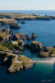 Belle île la pointe des poulains. Le fort était la propriété de Sarah Bernard.