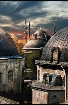 30 famous places that you MUST see Sultanahmet (Blue Mosque) from Hagia Sophia, Istanbul, Turkey Places Around The World, Oh The Places You'll Go, Places To Travel, Places To Visit, Around The Worlds, Mekka Islam, Wonderful Places, Beautiful Places, Beautiful Mosques