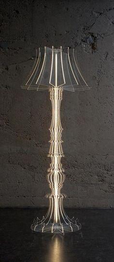Lampadaire, silhouette forme ancienne, découpé au laser en plexiglass